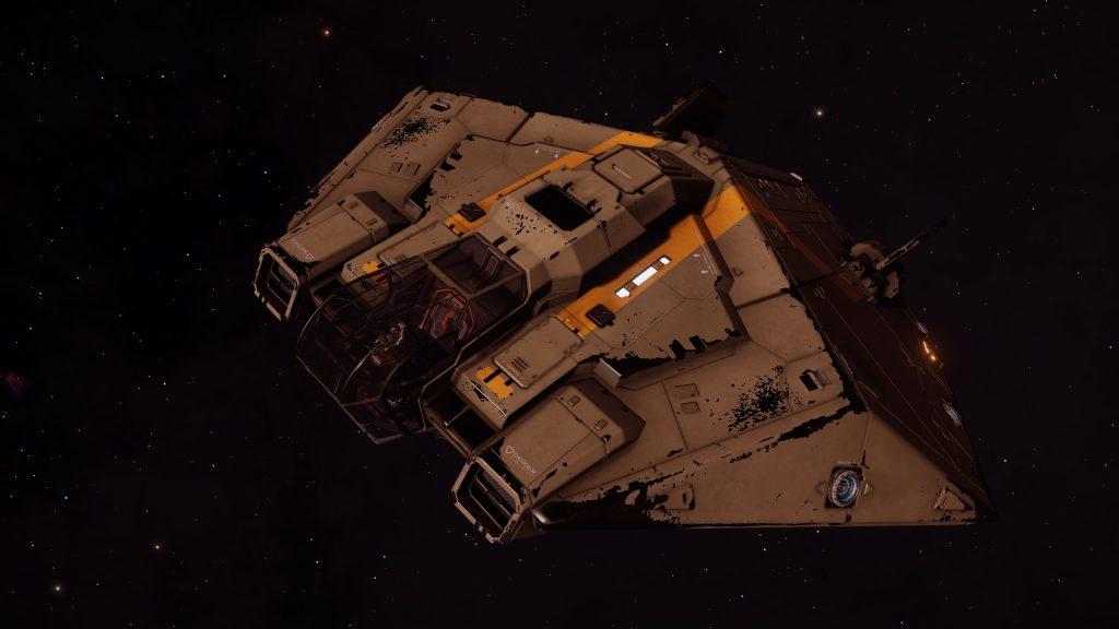 В игре Elite Dangerous появятся корабли перевозчики, а также в ближайшее время произойдет изменение премиальной игровой валюты