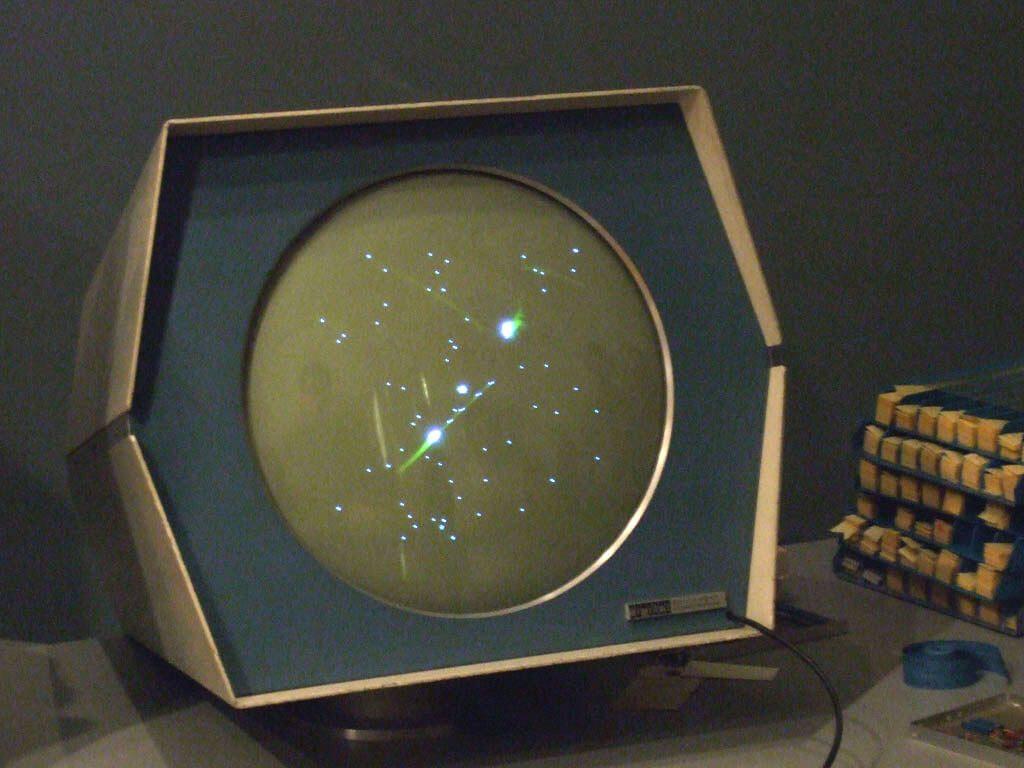 Первая компьютерная игра - Spacewar